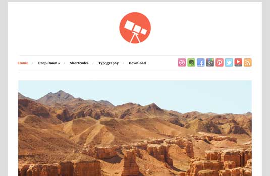 Photo: Free Responsive WordPress Portfolio Themes